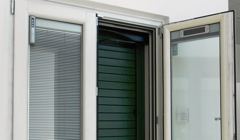 Veneziana interno vetro elementi oscuranti serramenti - Sunbell veneziane interno vetro ...